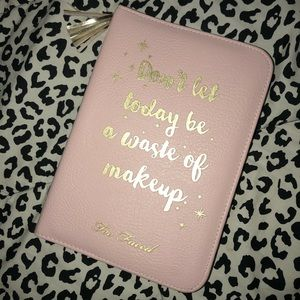 Too Faced 2018 planner 💕
